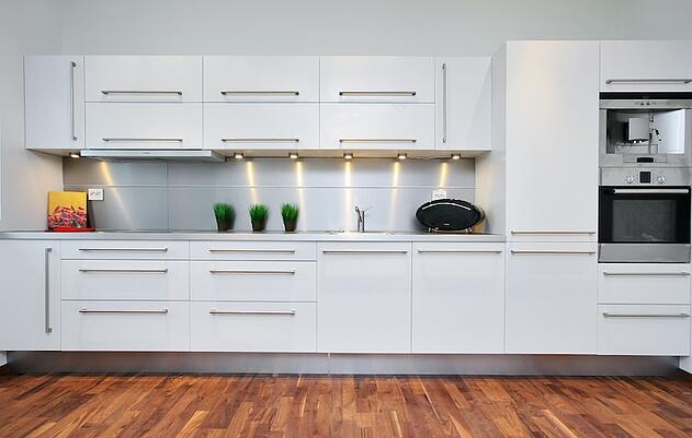 Model Home Kitchen Backsplash White Cabinet