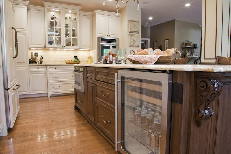 5 tips on choosing the right kitchen cabinet hardware kitchen cabinets drawer pulls white kitchen cabinets