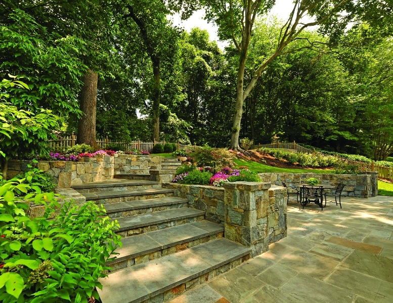 Landscaping_Your_Yard_7_Tips_You_Need_To_Know_4.jpg
