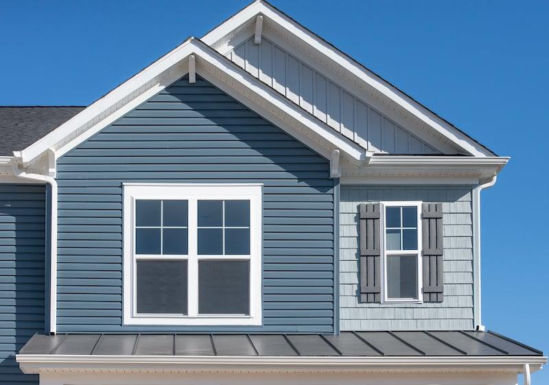 Guide To Home Exterior Siding Materials - Blue Vinyl