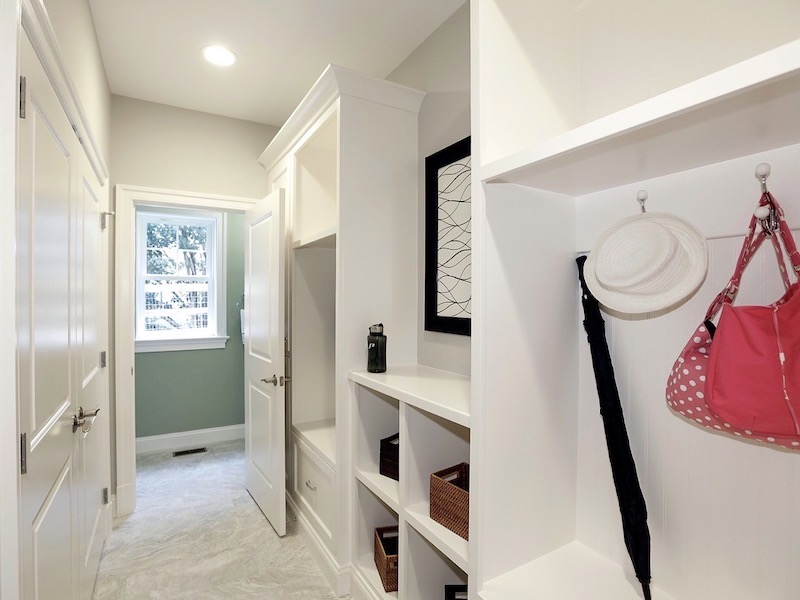 How To Design The Perfect Mudroom For Your Home-8