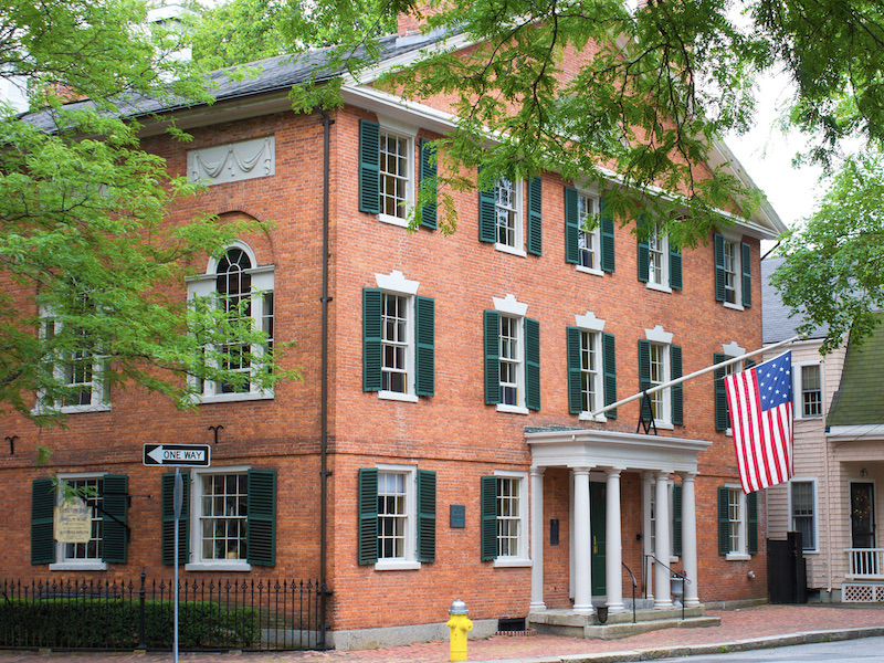 Traditional Home Architecture and Design - Federal Style Colonial