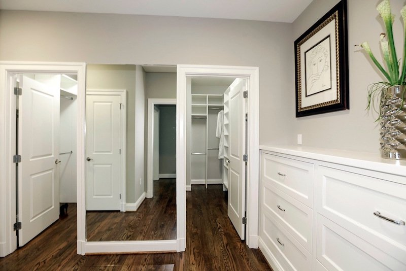 7_Amazing_Highly_Organized_Closets_That_Will_Inspire_You_2.jpeg