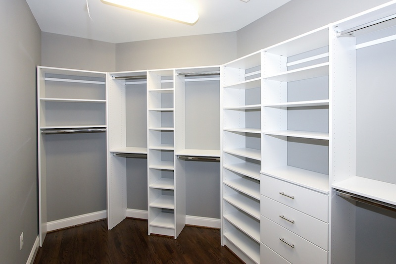 7_Amazing_Highly_Organized_Closets_That_Will_Inspire_You_4.jpeg