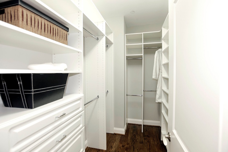 7_Amazing_Highly_Organized_Closets_That_Will_Inspire_You_6.jpeg